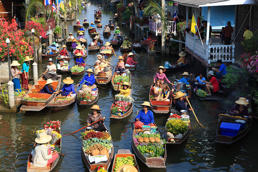 Lao Tak Lak Floating Market, This old Market is located in Damnoen Sakuak Floating Market, Ratchaburi
