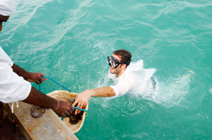 Pearl diving on Jebel ali hotel beach side, {Rajesh Raghav}ITP images,April 2012.